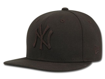 New York Yankees MLB Black on Black Fashion 59FIFTY Hats