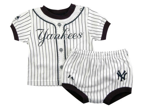 New York Yankees Franco MLB Newborn Pinstripe Diaper Set