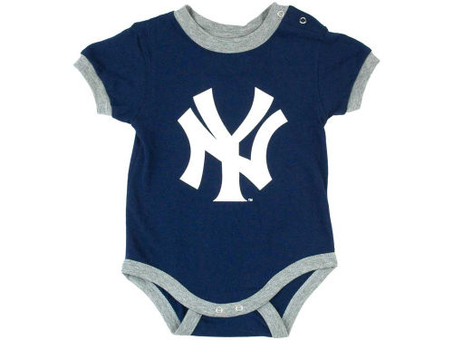 New York Yankees Derek Jeter MLB Newborn Name And Number Bodysuit