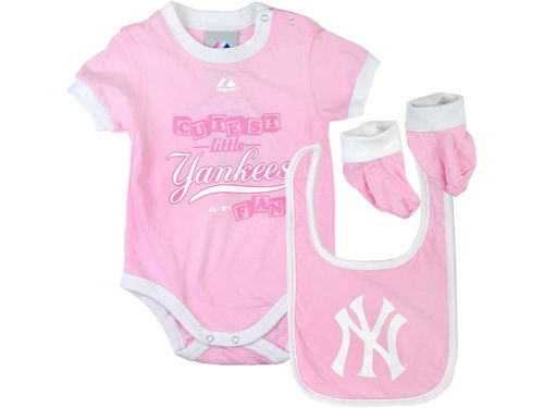 New York Yankees MLB Newborn Girls Triple Play Diaper Set