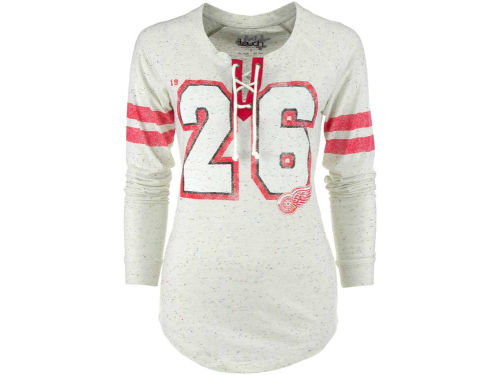 Detroit Red Wings GIII NHL Womens Kickooff Lace-Up T-Shirt