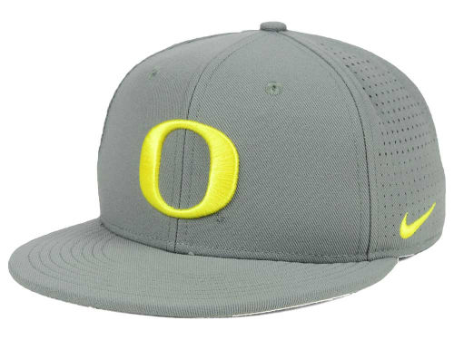 Oregon Ducks Nike NCAA Authentic Vapor Fitted Cap Hats