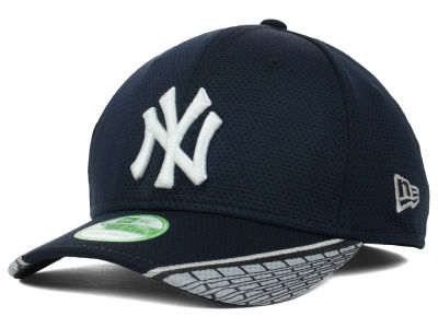 New York Yankees MLB Youth Vertical Strike 39THIRTY Cap Hats
